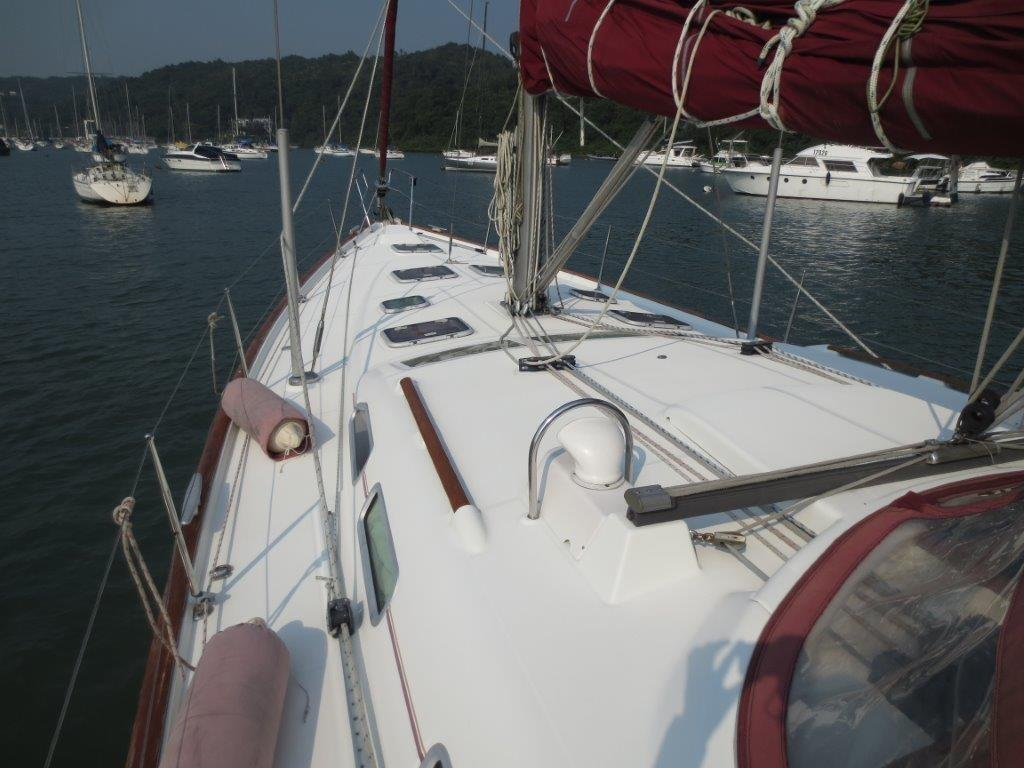 Beneteau Oceanis 473 Bow