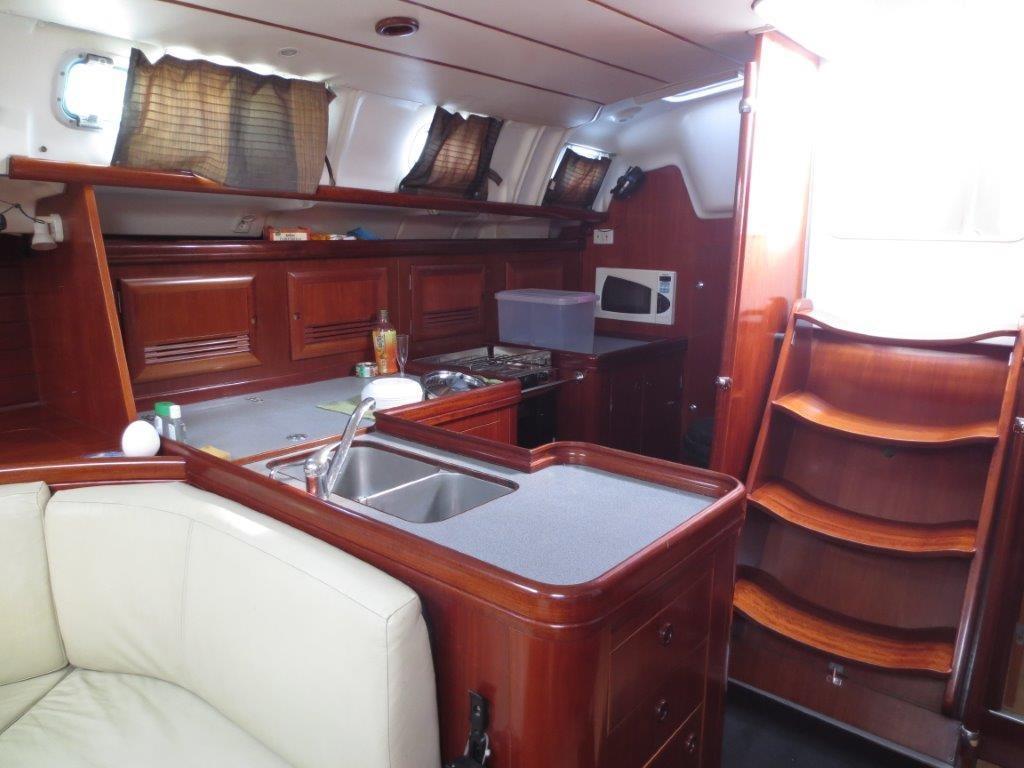Beneteau Oceanis 473 Saloon