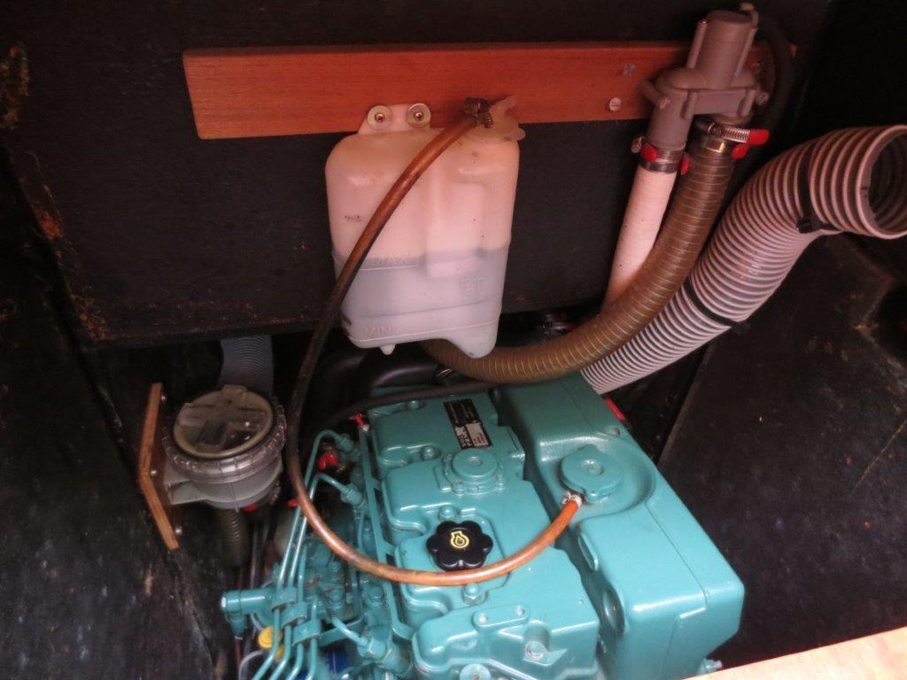 Beneteau Oceanis 473 Engine