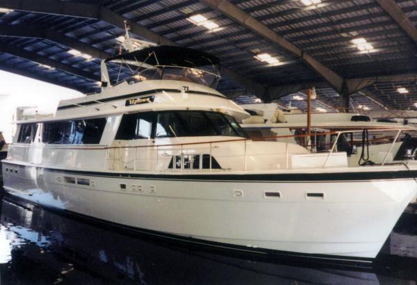 68' Hatteras Flybridge Motor Yacht