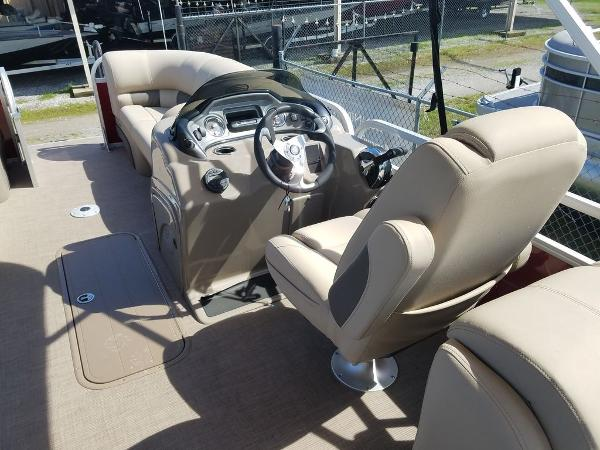 2020 Sun Tracker boat for sale, model of the boat is PARTY BARGE® 22 XP3 & Image # 2 of 7