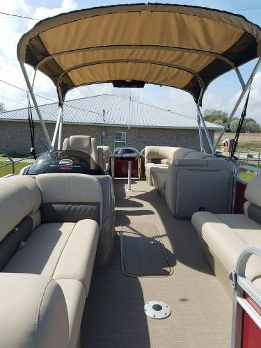2020 Sun Tracker boat for sale, model of the boat is PARTY BARGE® 22 XP3 & Image # 4 of 7