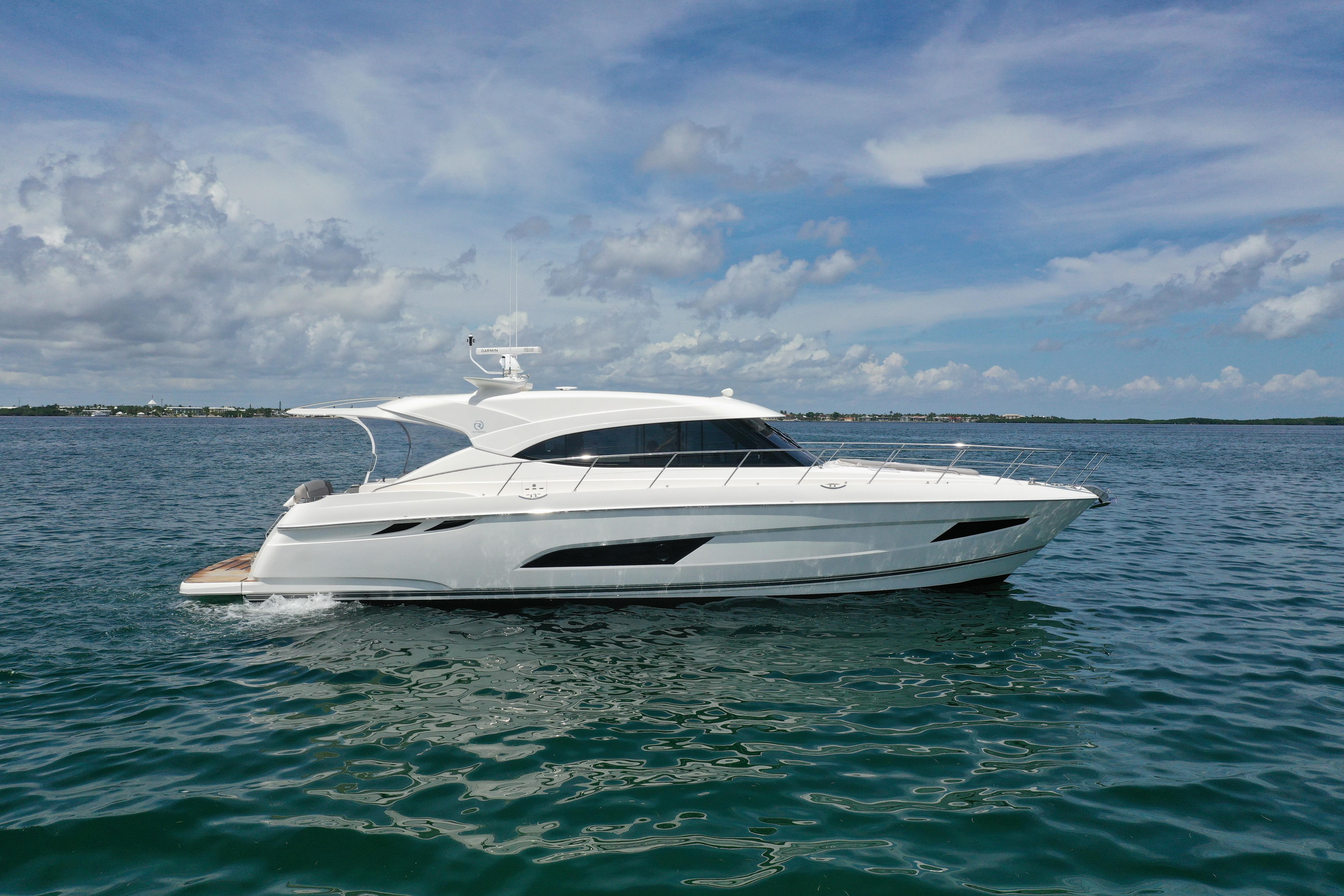 2018 Rivera Sport Yacht Starboard Profile