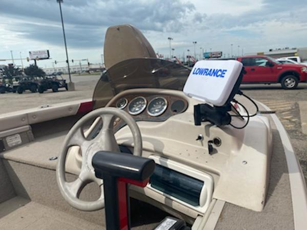 2001 Smoker Craft boat for sale, model of the boat is Pro Mag 161 & Image # 10 of 10