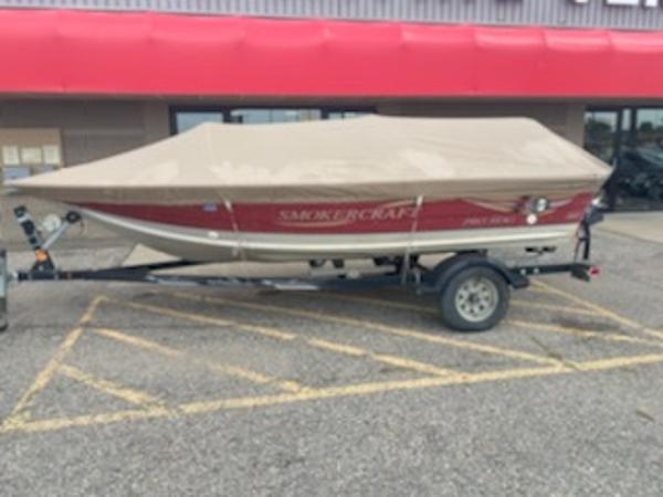 2001 Smoker Craft boat for sale, model of the boat is Pro Mag 161 & Image # 3 of 10