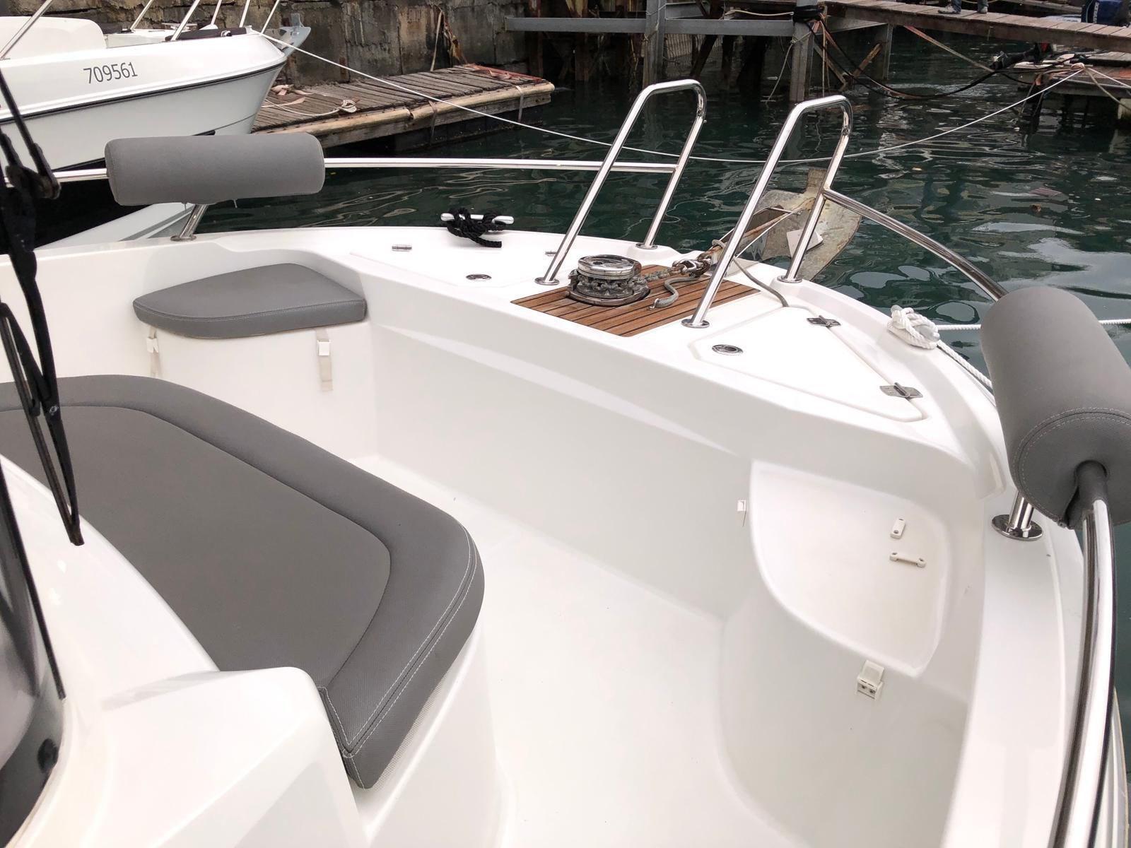Beneteau Barracuda 7 Bow