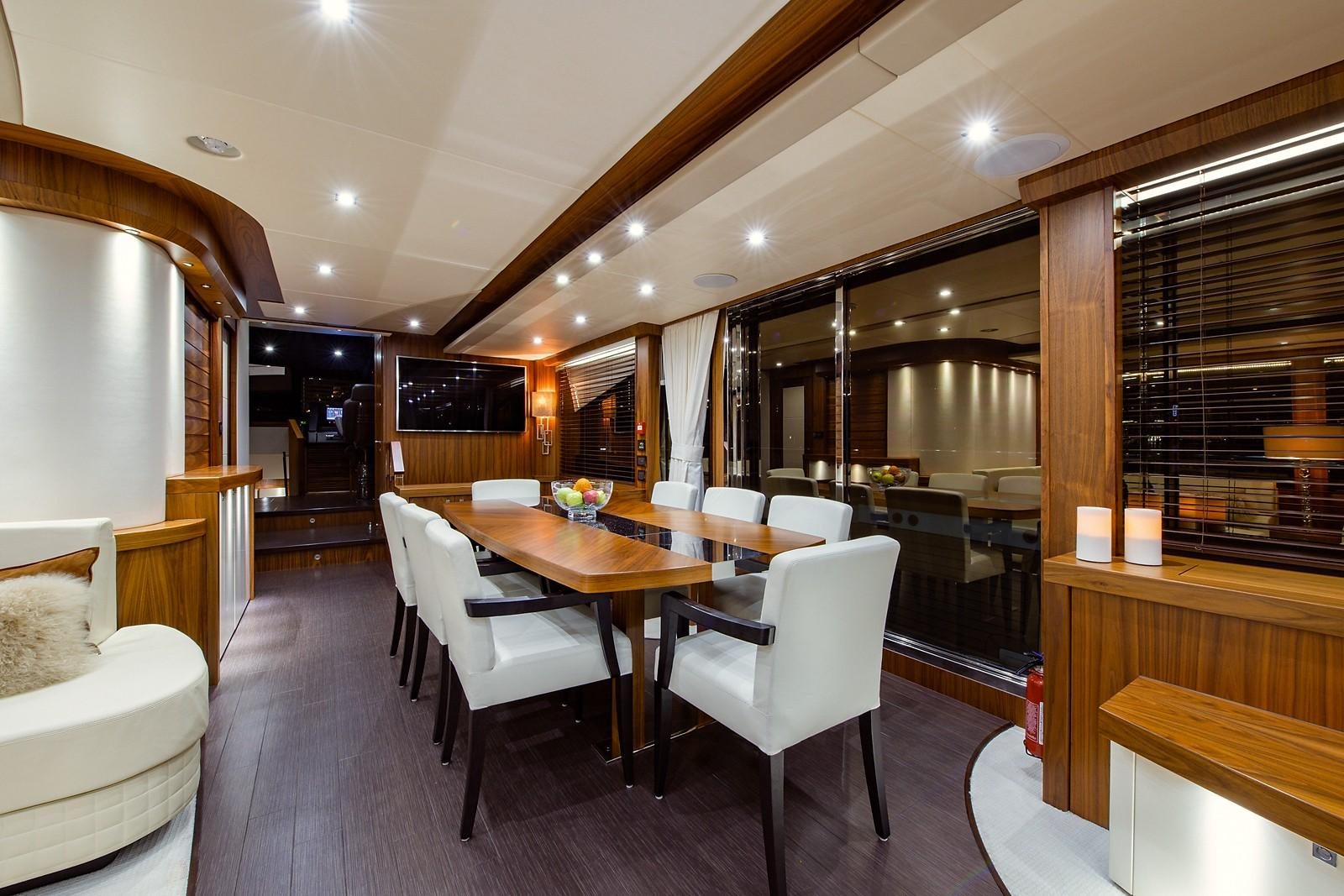 2016 Sunseeker 28 Metre - Dining