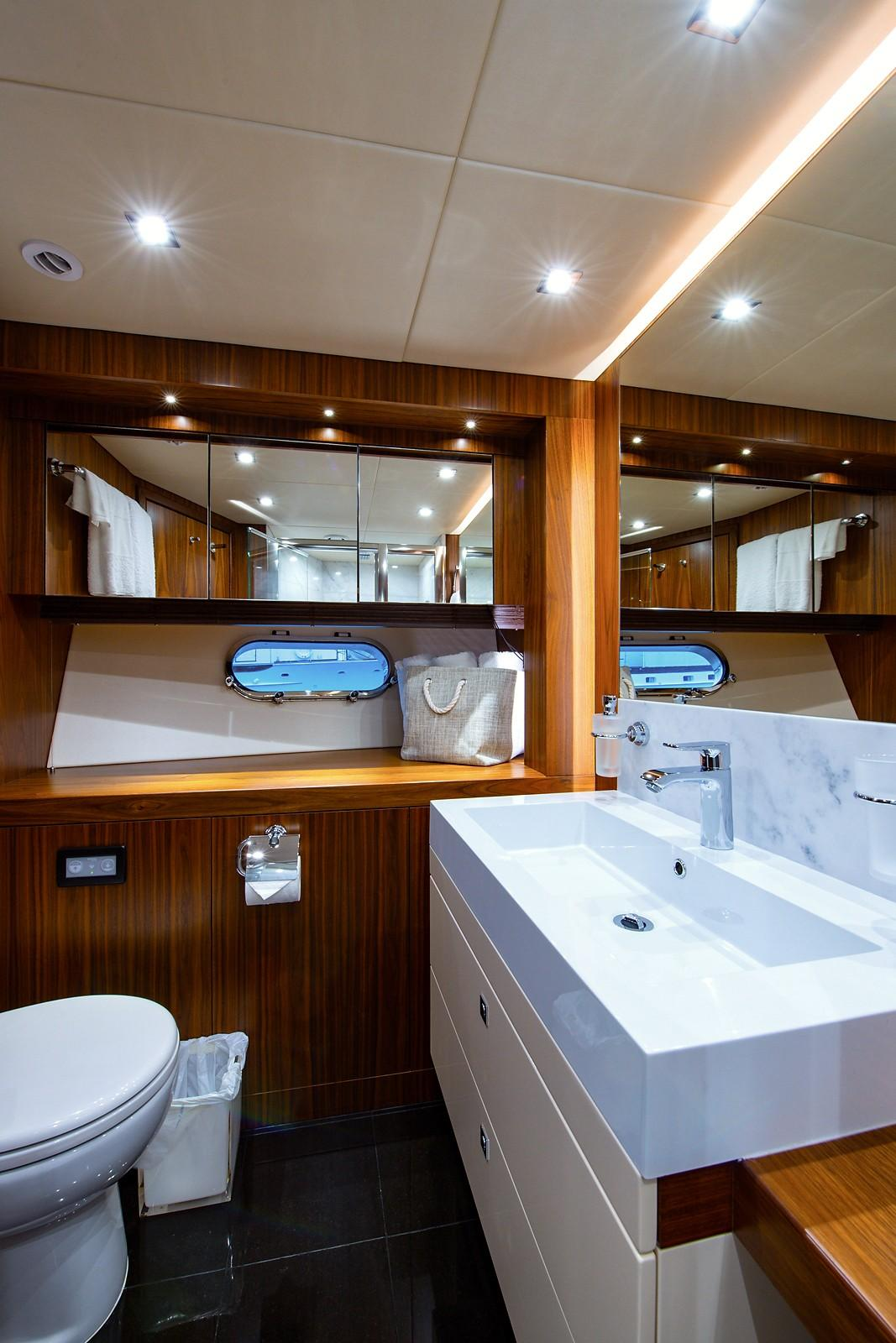 2016 Sunseeker 28 Metre - Head
