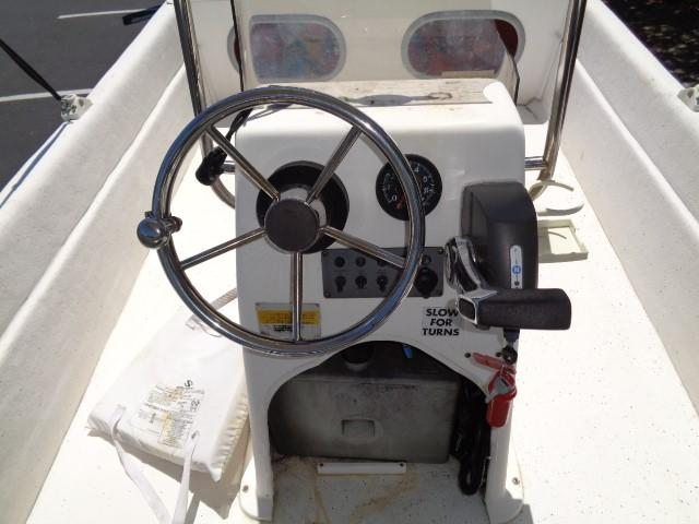 Clearwater 19 Skiff - steering/insturments, console