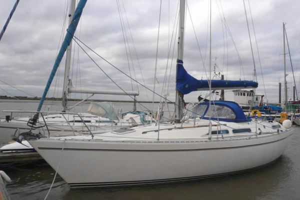 Moody 376 boat for sale