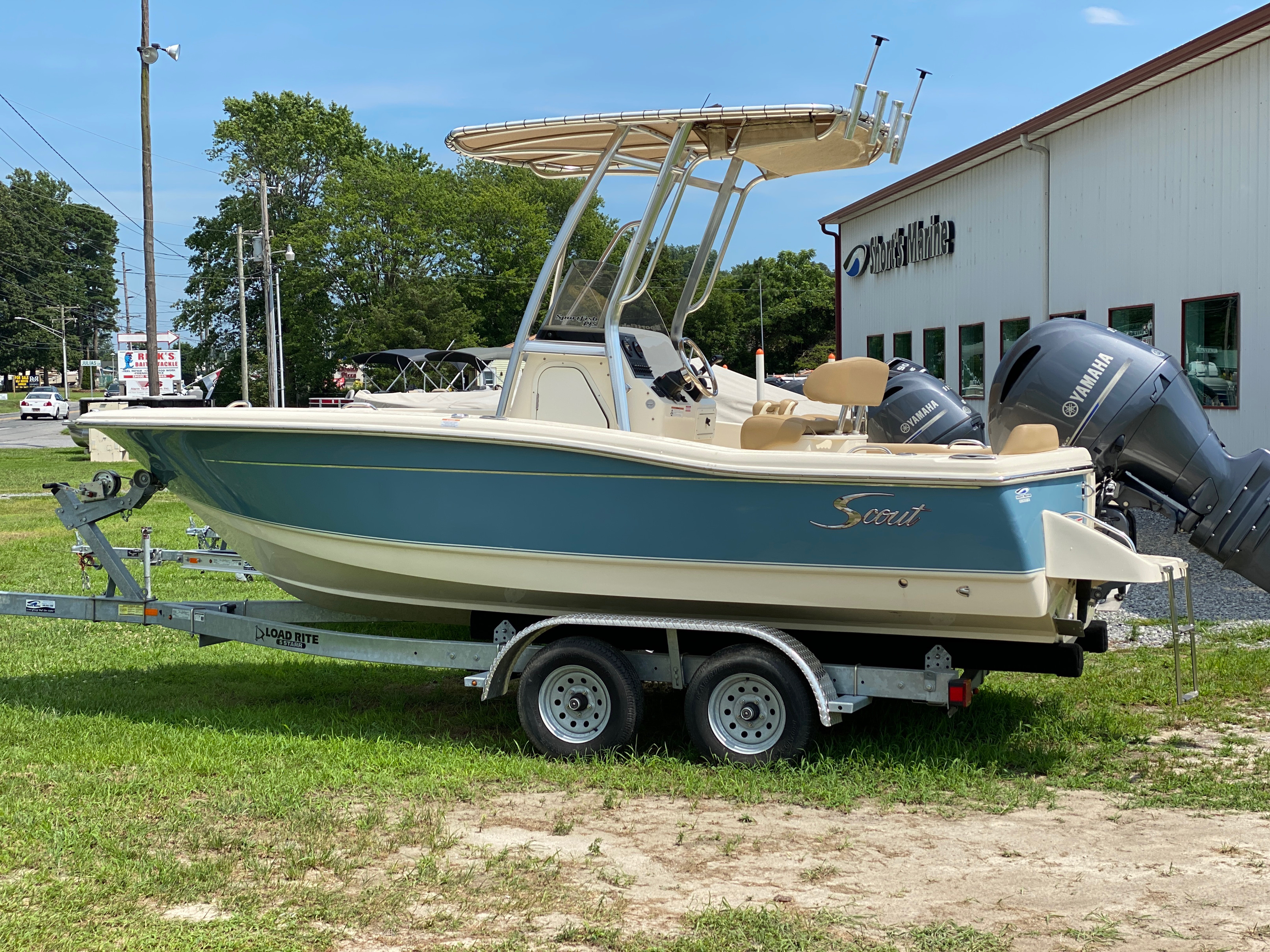 2019 Scout boat for sale, model of the boat is 195 Sportfish & Image # 1 of 10