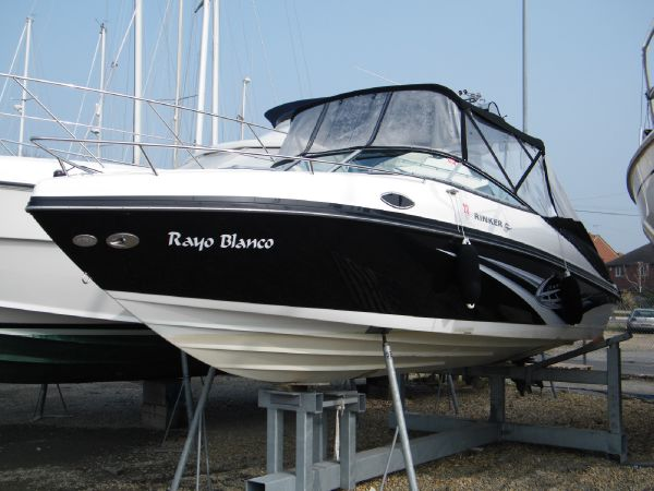 Beautifully presented Rinker 246 Captiva Cuddy Cabin with less than 60 hours ...