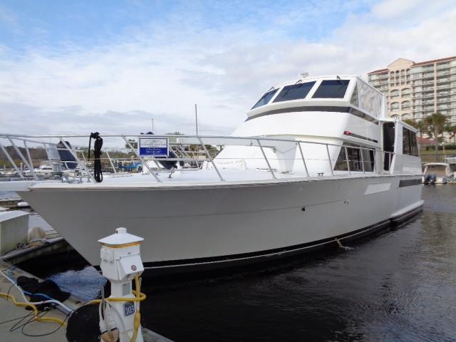 Viking Motor Yacht - Bow To Port