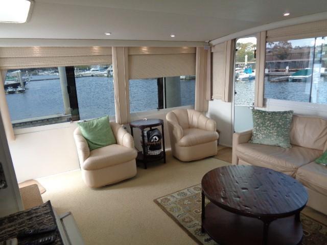 Viking Motor Yacht - Aft Salon 2