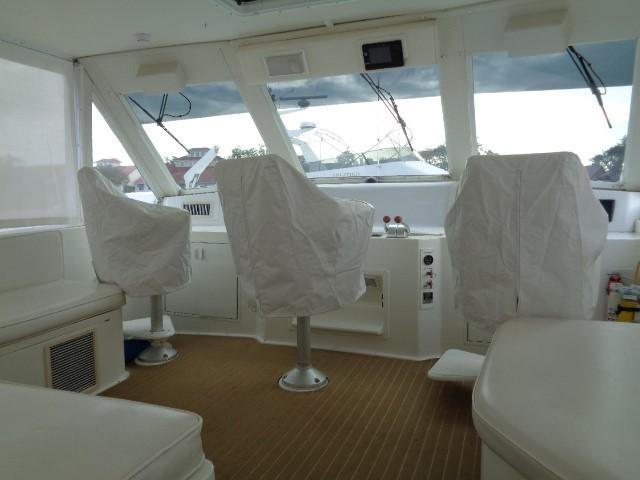 Viking 54 Motor Yacht - Helm