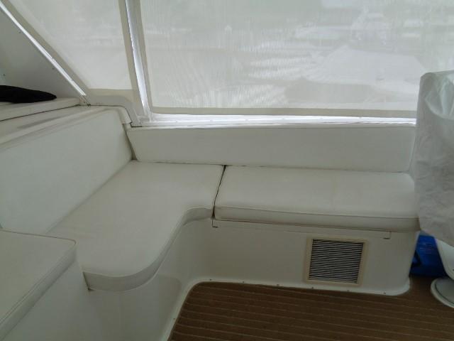 Viking Motor Yacht - Helm Seating