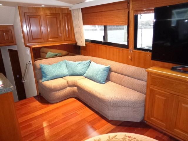 Viking Motor Yacht - Salon