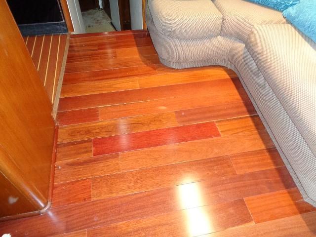 Viking Motor Yacht - Salon Flooring