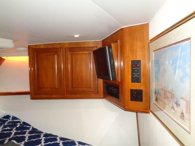 Viking 54 Motor Yacht - Stateroom