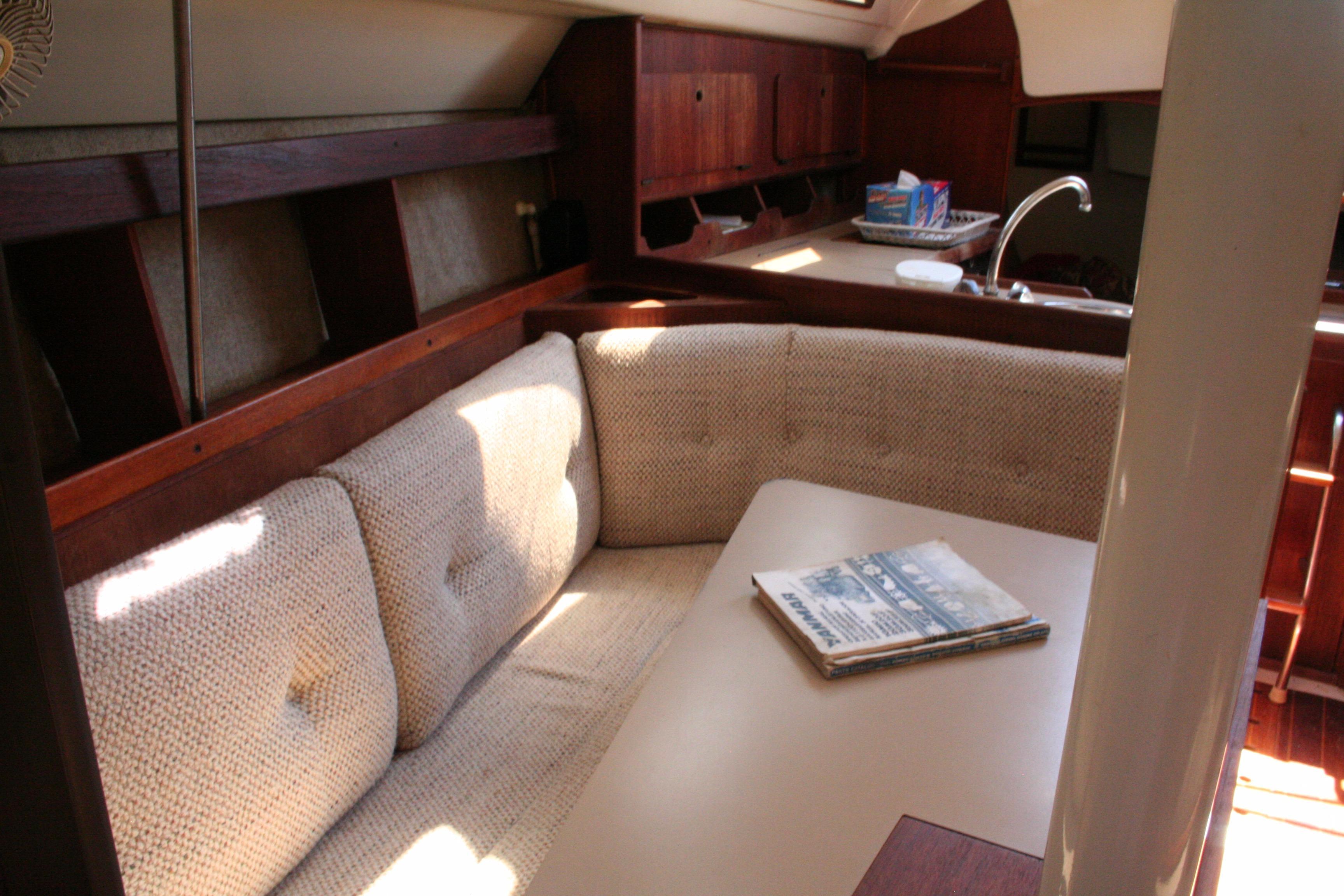 1988 Hunter 30 | Sailboats for Sale