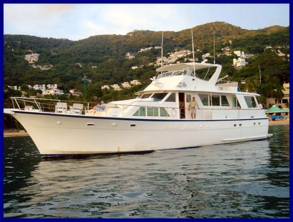 Hatteras 70 Motoryacht - 4 Staterooms Motor Yachts