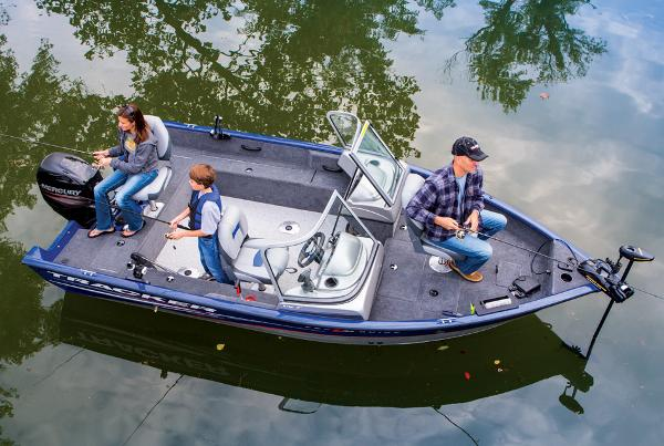 2014 Tracker Boats boat for sale, model of the boat is Pro Guide V-16 WT & Image # 3 of 32
