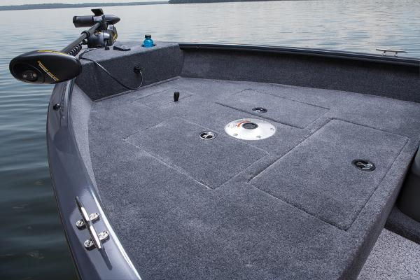 2014 Tracker Boats boat for sale, model of the boat is Super Guide V-16 SC & Image # 11 of 26