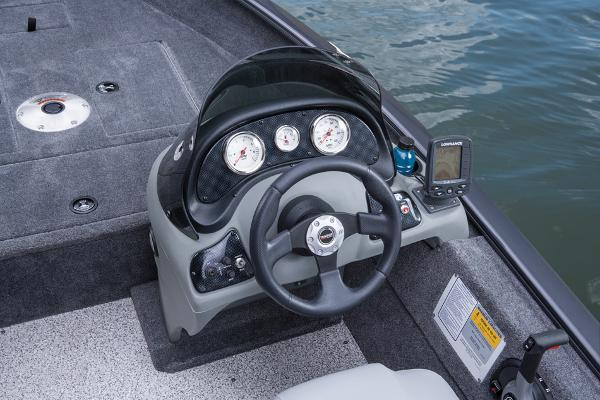 2014 Tracker Boats boat for sale, model of the boat is Super Guide V-16 SC & Image # 17 of 26