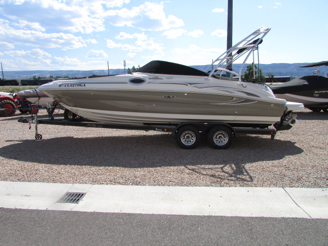 2006 Sea Ray boat for sale, model of the boat is 240 Sundeck & Image # 1 of 26