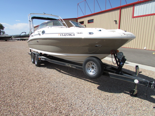 2006 Sea Ray boat for sale, model of the boat is 240 Sundeck & Image # 10 of 26