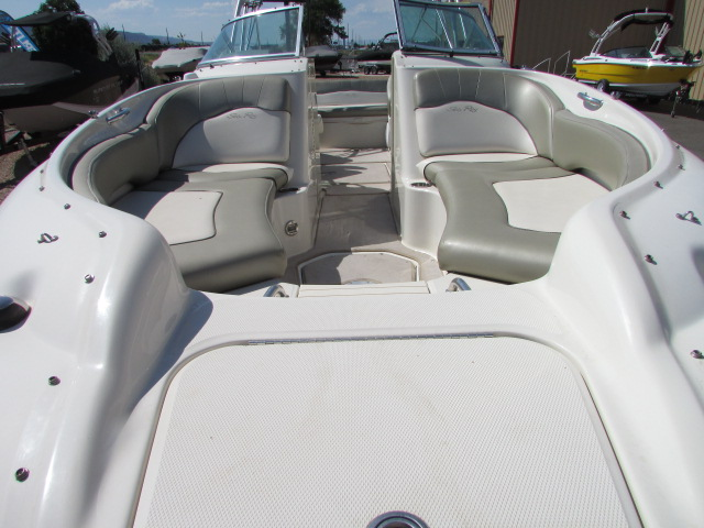 2006 Sea Ray boat for sale, model of the boat is 240 Sundeck & Image # 11 of 26