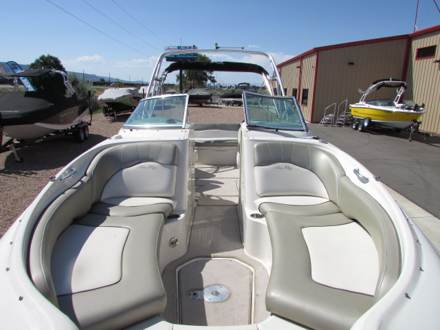 2006 Sea Ray boat for sale, model of the boat is 240 Sundeck & Image # 15 of 26