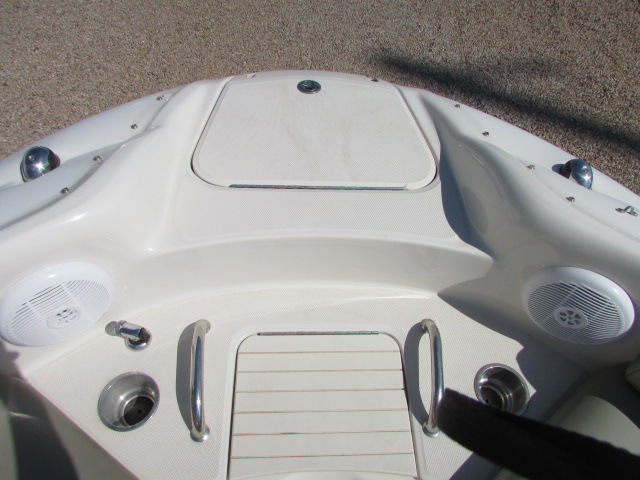 2006 Sea Ray boat for sale, model of the boat is 240 Sundeck & Image # 17 of 26