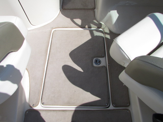 2006 Sea Ray boat for sale, model of the boat is 240 Sundeck & Image # 19 of 26