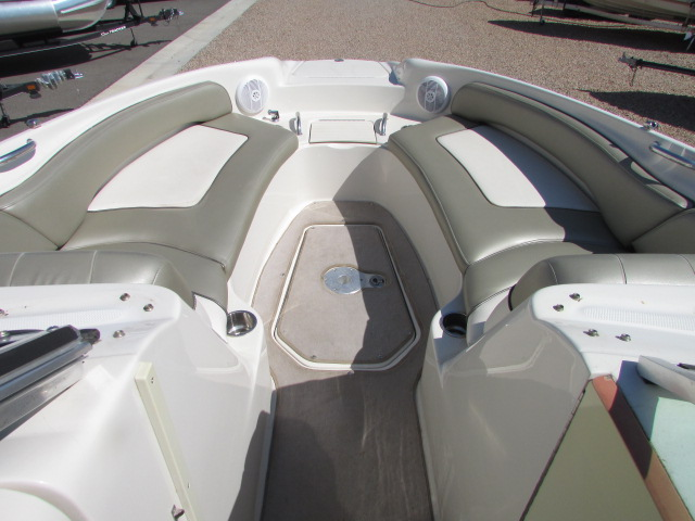 2006 Sea Ray boat for sale, model of the boat is 240 Sundeck & Image # 20 of 26