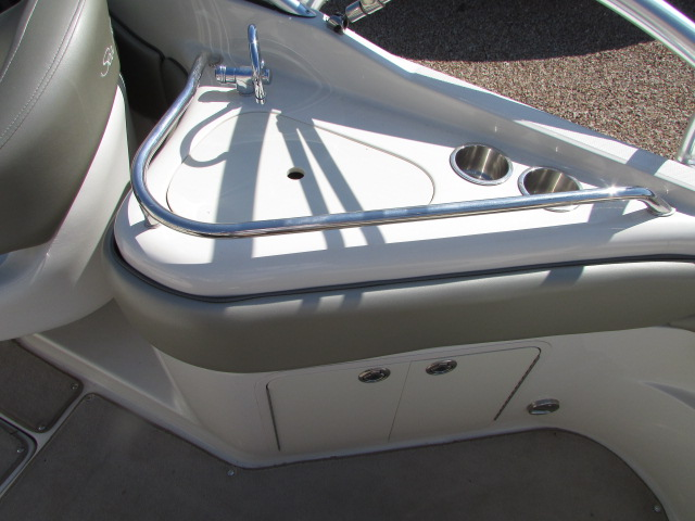 2006 Sea Ray boat for sale, model of the boat is 240 Sundeck & Image # 22 of 26
