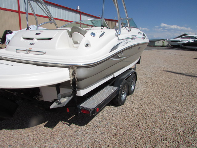 2006 Sea Ray boat for sale, model of the boat is 240 Sundeck & Image # 23 of 26
