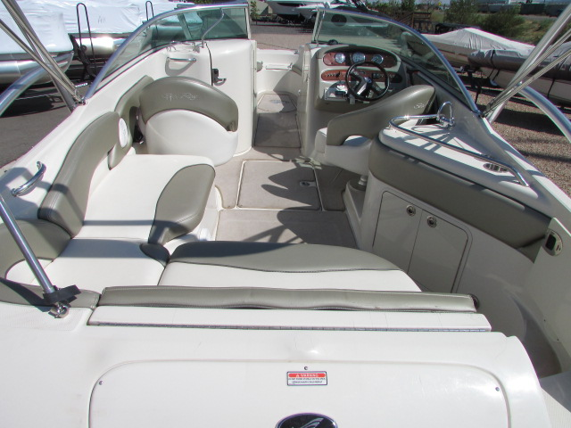 2006 Sea Ray boat for sale, model of the boat is 240 Sundeck & Image # 4 of 26