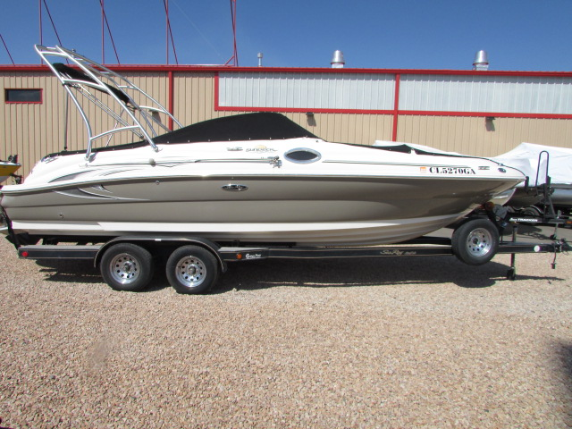 2006 Sea Ray boat for sale, model of the boat is 240 Sundeck & Image # 6 of 26