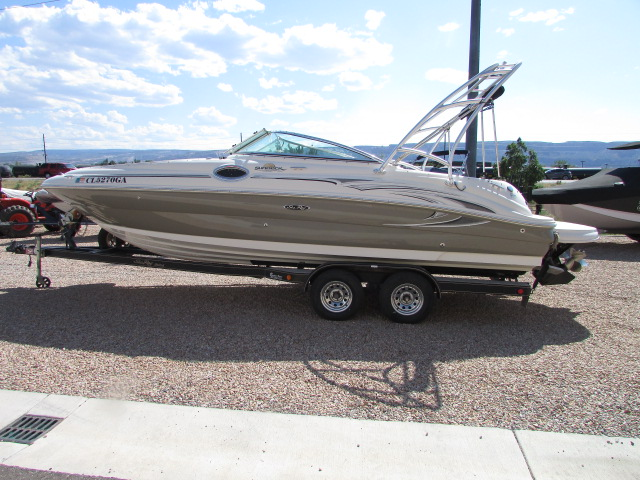2006 Sea Ray boat for sale, model of the boat is 240 Sundeck & Image # 7 of 26