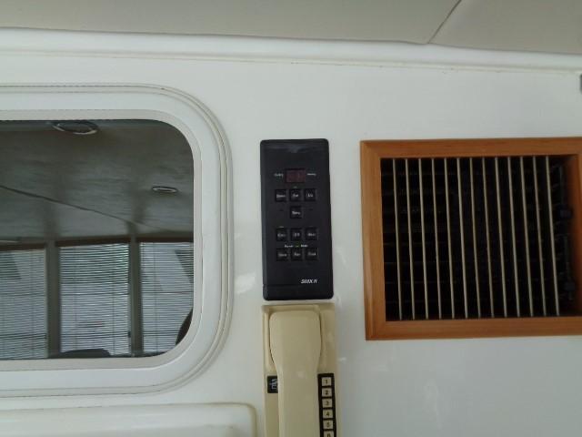 Hyatt 51 Motor Yacht - climate control, aft salon