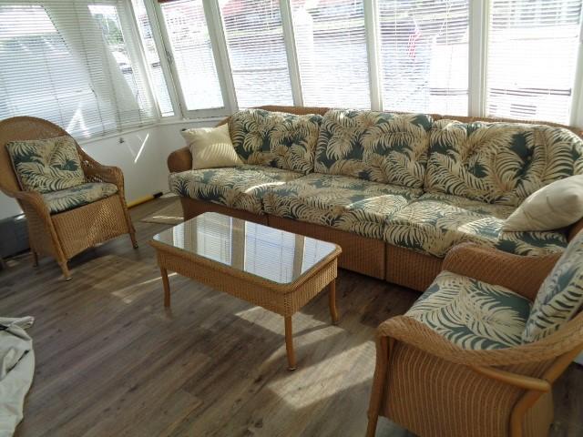 Hyatt 51 Motor Yacht - afte salon, custom furnisher