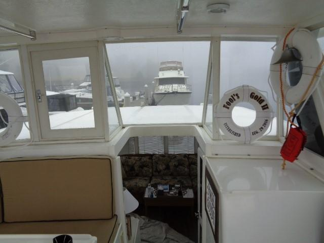 Hyatt 51 Motor Yacht - bridge to stern