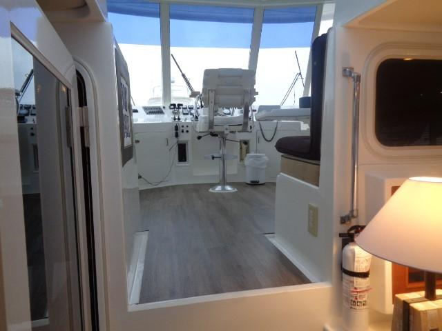 Hyatt 51 Motor Yacht - to brdge forward