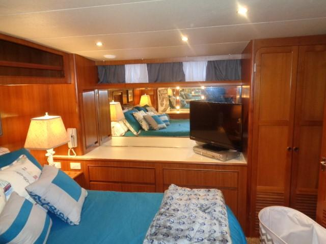 Hyatt 51 Motor Yacht - Master to port