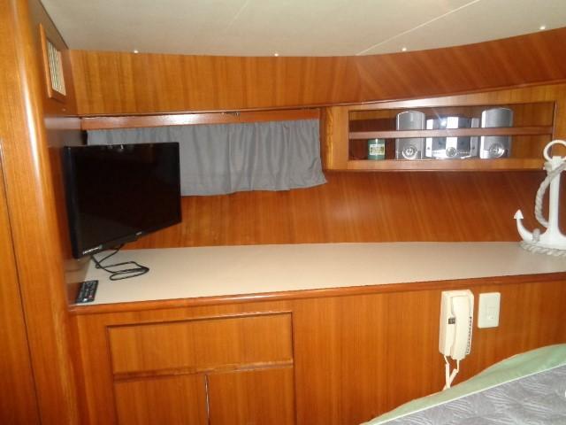 Hyatt 51 Motor Yacht - Guest forward starboard
