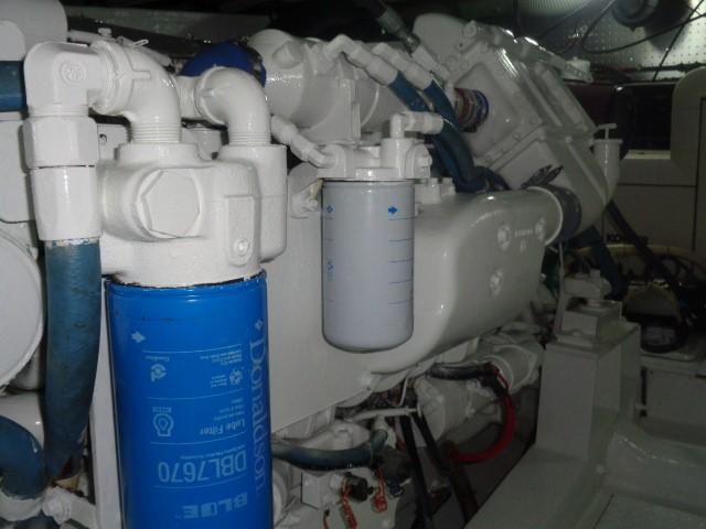 Hyatt 51 Motor Yacht - inner shots