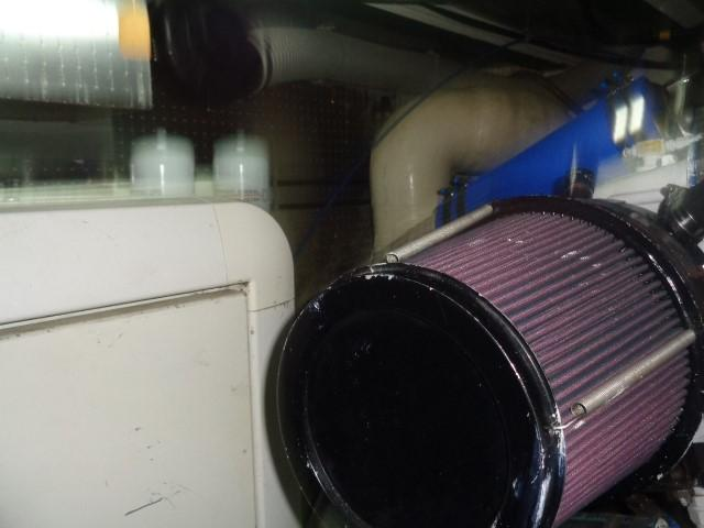 Hyatt 51 Motor Yacht - air inductions