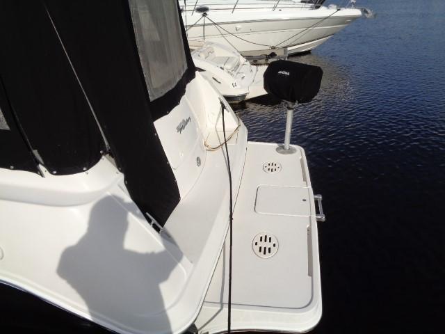 Monterey 302 Cruiser - Stern