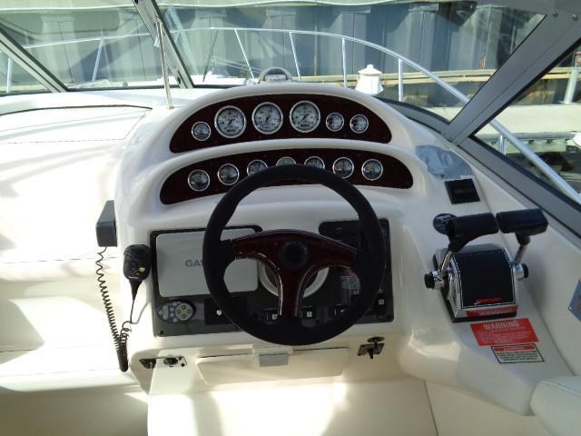 Monterey 302 Cruiser - console